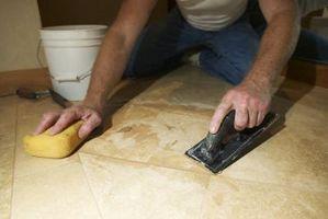 ¿Qué tengo que hacer para que se selle concreto para acabar con azulejo de mármol?