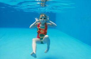 Cómo matar Negro algas en piscinas drenados