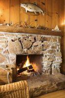 Cómo limpiar piedra semi-áspera en una chimenea