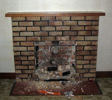 Cómo remodelar una chimenea de ladrillo