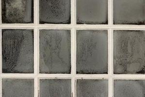 Cómo hacer agujeros en un marco doble cristal de ventana a Vent