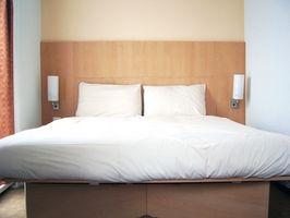 Ideas de decoración para un dormitorio principal Moderno