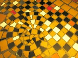 Cómo mezclar tamaños del azulejo de cerámica