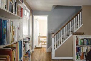 Hágalo usted mismo estante para libros en una pared Stud