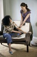 Cómo reparar los cojines del sofá que necesitan Llenado