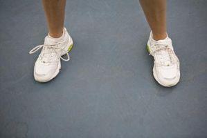 Cómo quitar las manchas de suciedad seca de los zapatos blancos
