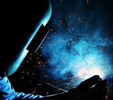 Cómo reparar una lata de aluminio de soldadura MIG
