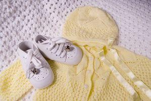 Cómo quitar las manchas amarillas en la ropa del bebé almacenado