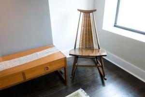 Cómo limpiar muebles de madera sucia