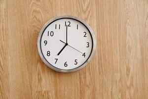 ¿Qué tan alto para colgar un reloj de pared