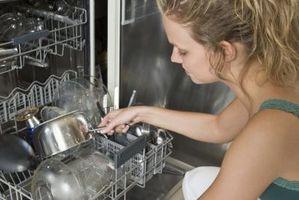 Cómo quitar el jabón de Cine de los platos