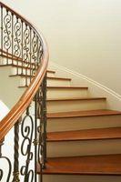 Cómo instalar Nosing en una escalera de madera dura