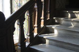 Cómo instalar la alfombra Azulejos en las escaleras