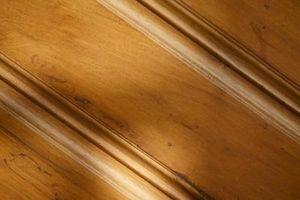 Cómo limpiar madera de cedro con una fregona