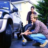 Cómo rellenar aceite hidráulico en un Gato de piso