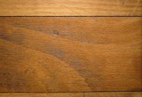 Cómo quitar manchas de hierro de madera