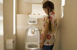Cómo mantener a un inodoro De mecedora Si el suelo no está nivelado