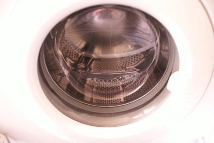 Cómo quitar la consola en una lavadora de carga frontal de Whirlpool