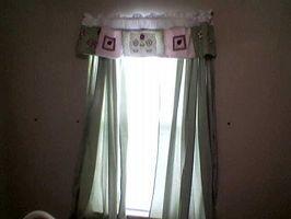 Cómo hacer cortinas de bajo costo de láminas