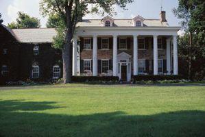 Tipo de barra de la cortina de utilizar para una casa de estilo colonial