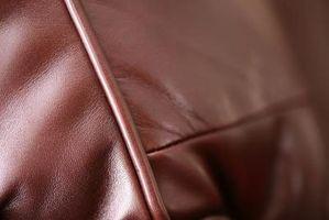 Cómo arreglar un sofá de cuero con cloro para las manchas