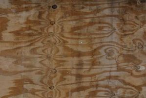 ¿Puedo utilizar el compuesto para nivelar en un subsuelo de madera?
