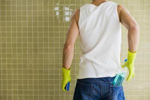 Cómo mantener azulejos del baño brillante con la cera del coche