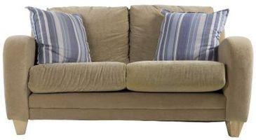 Cómo elegir el sofá de color en una habitación familiar
