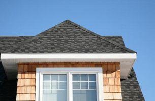 Forma de guardar las tejas de asfalto para tejados