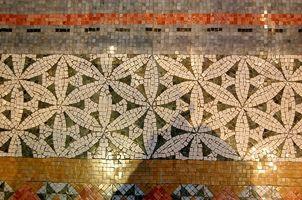 Las ideas de la frontera del suelo de azulejo de cerámica