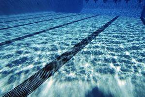 ¿Qué causa un fondo de la piscina de ponerse duro?