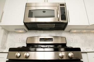 La altura estándar para las microondas sobre una estufa