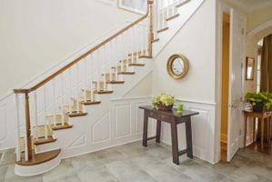 ¿Cómo reforzar una escalera de madera Barandilla