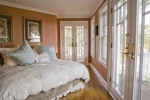 Cómo decorar un dormitorio romántico con muebles antiguos