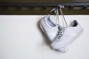 Cómo lavar los zapatos blancos en la lavadora