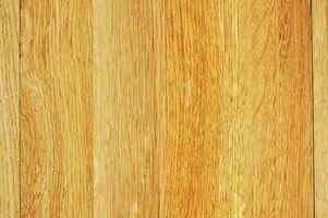 Cómo pintar la madera contrachapada pareciéndose a Plank Flooring
