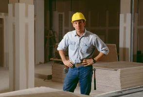 Cómo cortar placas de yeso por un techo de inclinación