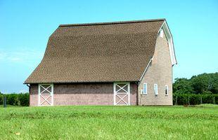 Cómo tejas del techo del granero de Gambrel