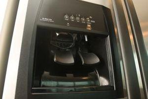 Cómo solucionar problemas de máquinas para hacer hielo en electrodomésticos GE Profile Refrigerador
