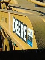 Cómo reemplazar los neumáticos en un John Deere L110