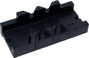 Consejos sobre el corte de moldura de techo con una sierra de mano Mitre