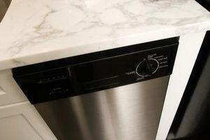 Cómo solucionar problemas de un sistema incorporado en el lavavajillas