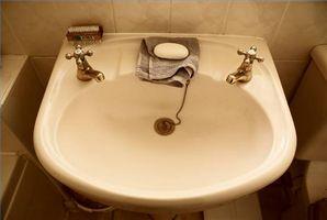 Cómo limpiar un fregadero de la vanidad