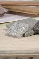Cómo quitar las manchas oscuras en un mostrador de granito