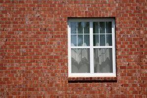 Cómo instalar una ventana en una pared de ladrillo Cuando Remodelación