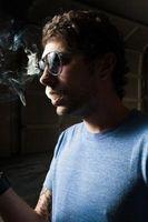 Cómo limpiar una mancha de humo del cigarrillo