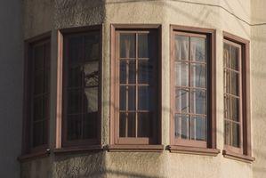 Tratamientos de ventana para una ventana de arco abatible