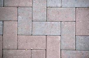 Cómo construir un sencillo patio con bloques de piedra
