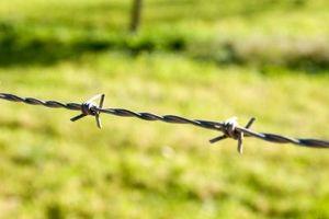 Cómo cortar la cerca de alambre