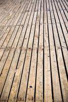 Cómo limpiar la madera con cloro